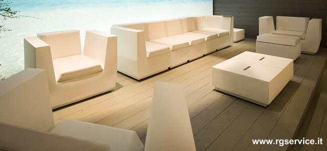 Banconi bar e arredo luminoso in polietilene vendita e - Magico tocco divano ...
